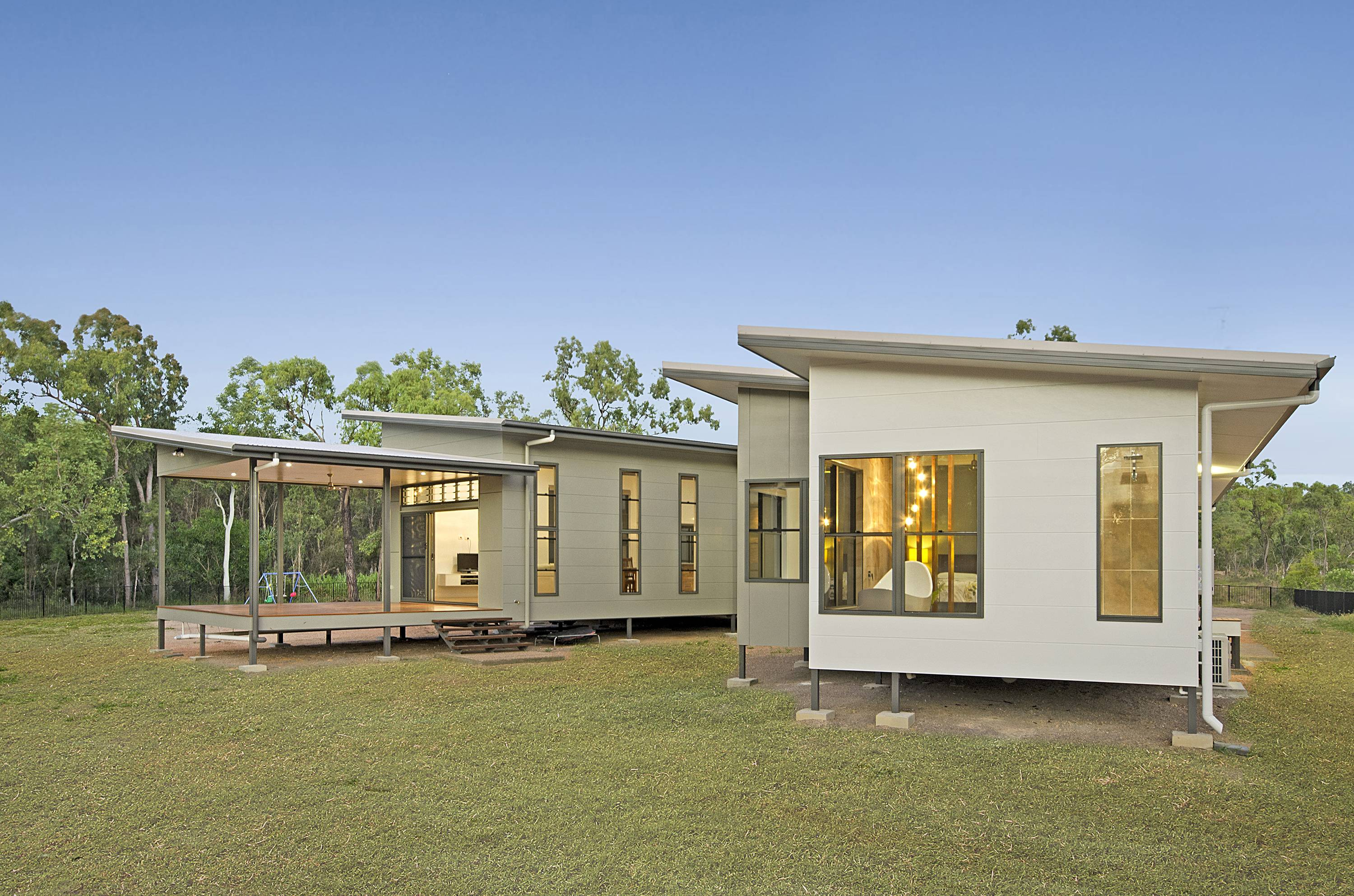 Print dsc 9032a new home builder townsville ready for Home designs townsville